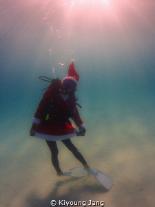 Christmas is coming~ by Kiyoung Jang