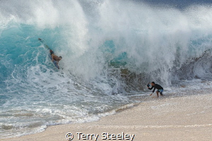 A masterclass in surf photography — Canon 1Dx, Canon EF ... by Terry Steeley