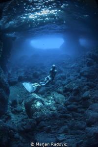Diving Vis caves by Marjan Radovic
