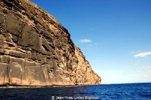 Mauritius,the famous Coin De Mire dive site ,one of 3 div... by Jean-Yves Linley Bignoux