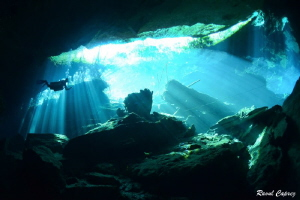 Cenote atmospher by Raoul Caprez