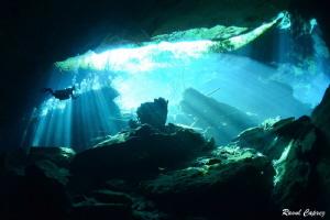 Cenote atmospher by Raoul Caprez