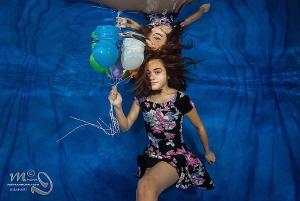 Balloons Model : Jenny  by Mona Dienhart