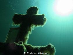 The Cross @ Lake Samaranger by Christian Allenbach