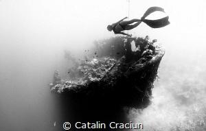 Freediver : MJ Paula Jumuad , Freediving Instructor . SHo... by Catalin Craciun