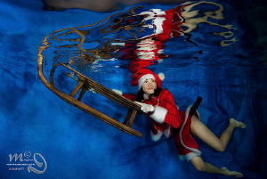 I'm waiting for Santa Model : 11 year old Jenny, a real ... by Mona Dienhart