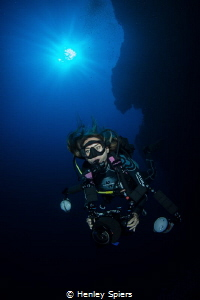 The perfect dive buddy by Henley Spiers