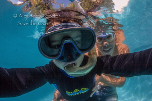 Selfie taken by mi son, Cocoyoc Mexico by Alejandro Topete