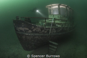 Local inland wreck with on/off flash lighting. by Spencer Burrows