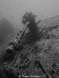 anti-aircraft gun Thistlegorm wreck by Pieter Firlefyn