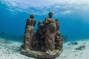 Some sculptures, Musa isla Mujeres by Alejandro Topete
