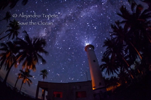 Milky way and Lighthouse, Isla Lobos México by Alejandro Topete