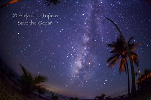 Milky Way with shooting Star, Isla Lobos México by Alejandro Topete