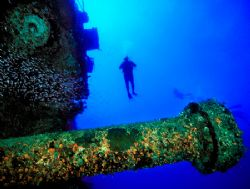 Theo's Wreck (Nikon F4, 18mm/3.5, Aquatica housing, Ikeli... by Andrew Dawson