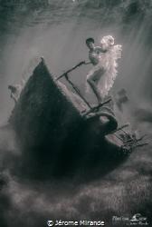 La danseuse de l'Épave by Jérome Mirande