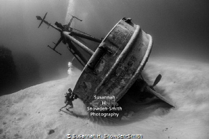 """OCD Diver Tries To Right Shipwreck""