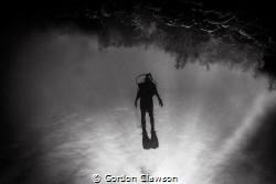 Leaving Hilma Hooker wreck in Bonaire, caught friend's so... by Gordon Clawson