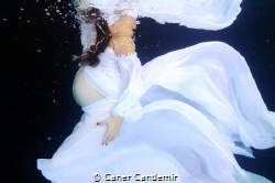 Maternity Photography by Caner Candemir