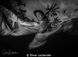 fashionshooting, Bali evening before sundown, awesome light by Elmar Laubender