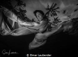 fashionshooting, Bali evening before sundown, awesome light by Elmar Laubender
