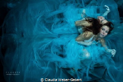 BLUE ... underwater model fantasy photography by Claudia Weber-Gebert