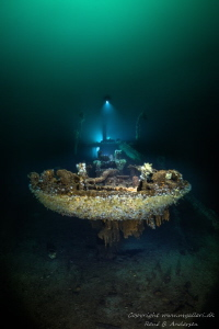 Parat WW2 wreck in Norway, laying on 60m depth. by Rene B. Andersen