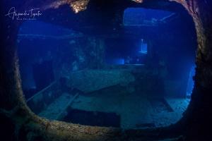 Wreck C57, Isla Espiritu Santo, México by Alejandro Topete