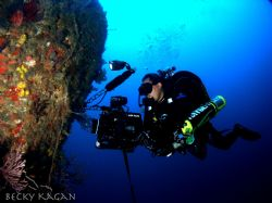 Shooting video 200ft deep on the Lowrance in Pampano beac... by Becky Kagan
