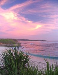 Dream Beach sunset, Nusa Lembongan - Indonesia by Penny Murphy