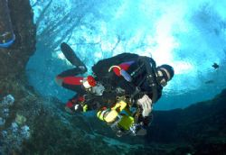 Diving on a rebreather,camera nikon d-200 taken at Ginnie... by Ray Eccleston