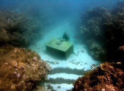 The Lost Correspondant. A sculpture set within a marine p... by Jason Taylor