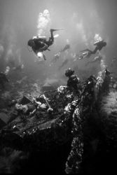 Egypt - Wreckdivers by Hedwig Dieraert