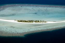 Island with a smile! Maldives 2006. by Chris Wildblood