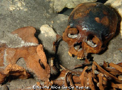 Mayan skeleton found in a sinkhole near Merida in the Yuc... by Norma Alicia García Huerta