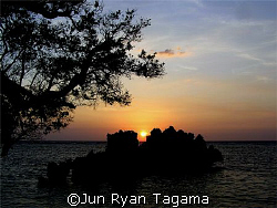 Apo Reef Sunset, Taken last April 30, 2007 by Jun Ryan Tagama