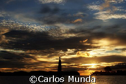 Small lighthouse, Koror Pier. Canon 350D by Carlos Munda