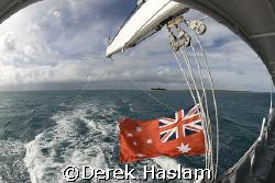 Leaving the Lowe islands. D200, 10.5mm. by Derek Haslam