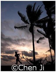Manila Bay sunset.  shot in Westin Philippine Plaza Hot... by Chen Ji