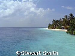 Paradise....the island of vilamendhoo by Stewart Smith