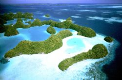 Palau; Nikon F, 24mm lens by Rick Tegeler