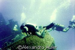 Taurus wreck at Recife's coast.nikonos v. film scan kodak... by Alexandro Auler