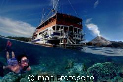 what a wonderful world...in Banda Naira, Indonesia by Iman Brotoseno