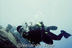 Diver at taurus wreck. Recife´s sea coast at Brazil. Niko... by Alexandro Auler