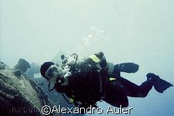 Diver at taurus wreck. Recife´s sea coast at Brazil. Niko... by Alexandro Auler