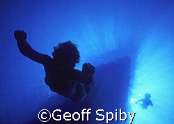 mother and son freediving by Geoff Spiby