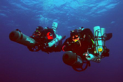2 Scooter Divers in Croatia by Andy Kutsch