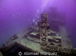 Two diver at Wit Shoal, St. Thomas by Abimael Márquez
