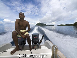 """""""The Boat Driver"""" With this pic, I start the new serie of... by Henry Jager"""
