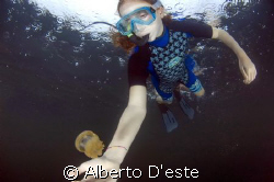 This photo is make in Jellyfish lake, in Palau (Koror) Ro... by Alberto D'este
