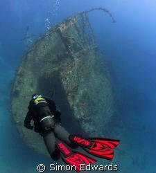 Chrisoula K / Marcos . stern view 12m deep .. Nikon D200 ... by Simon Edwards
